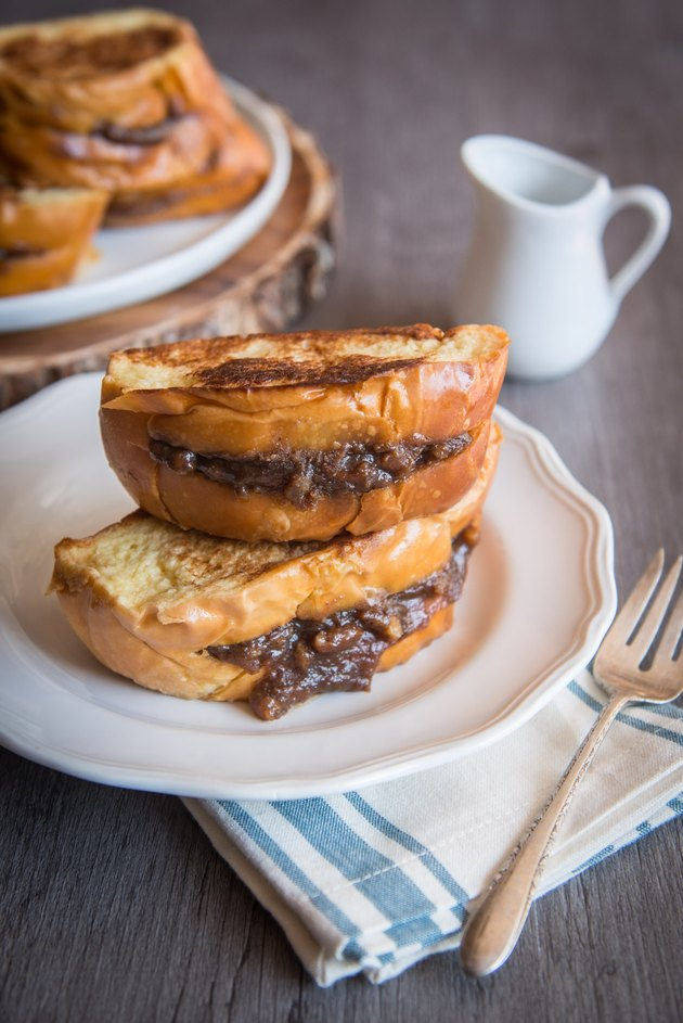 Pecan Pie Stuffed French Toast Recipe
