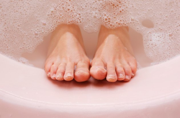How To Clean Air Tubs Ehow