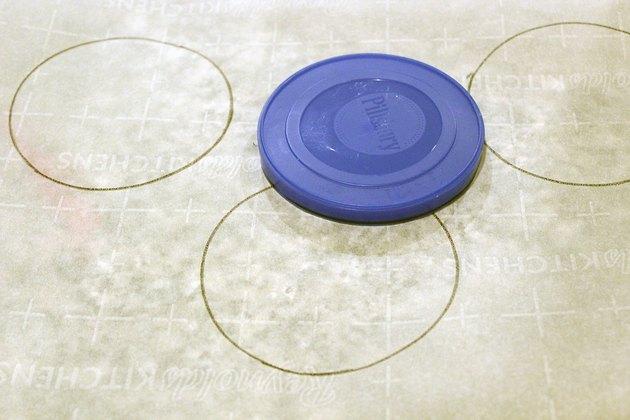 trace circles