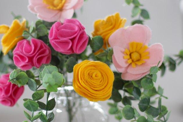 finished felt flower bouquet horizontal
