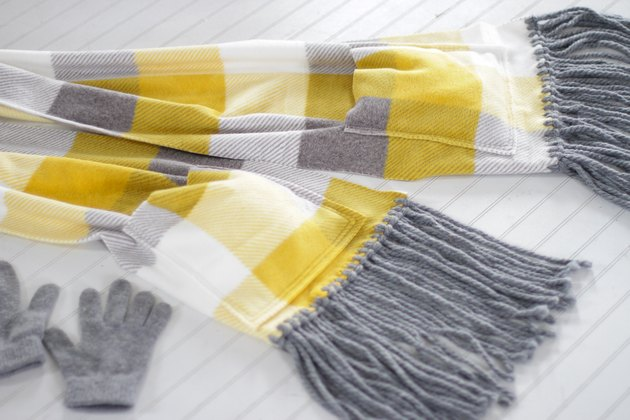 fleece pocket scarf