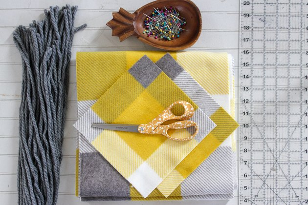 materials needed for fleece pocket scarf