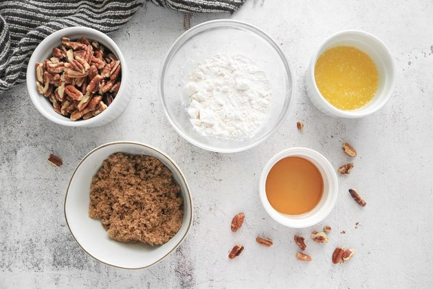 Ingredients for maple pecan topping