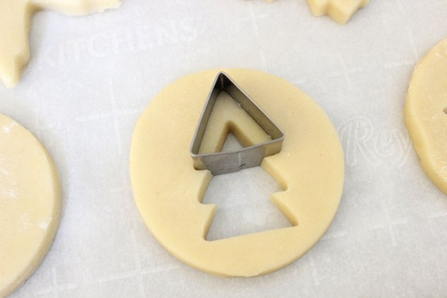 Making a Christmas tree with a cookie cutter