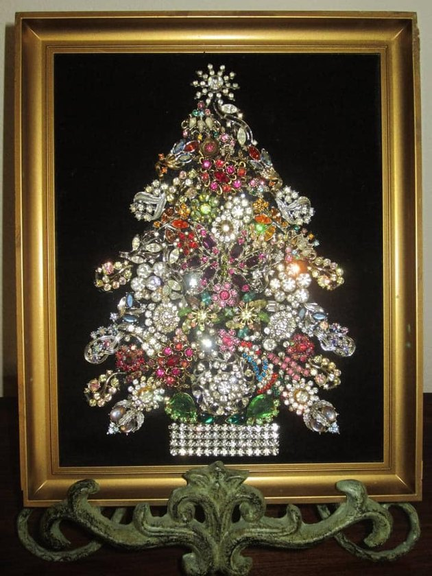 Sarah Shannon Moncho's Antique Jewelry Tree
