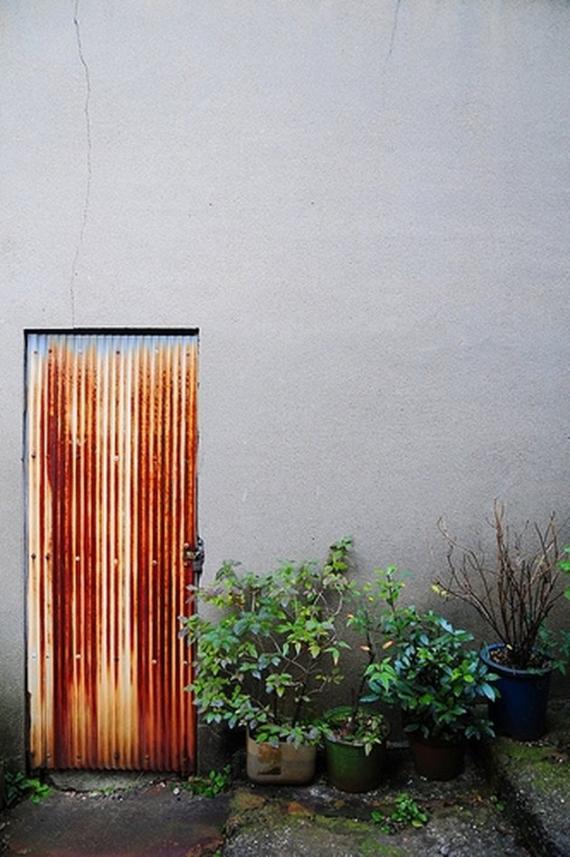 How To Remove Rust From Outside Walls Ehow