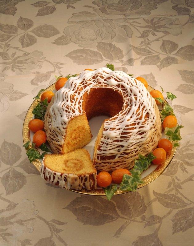 Eggnog bundt cake