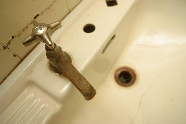 Rusting sink faucet