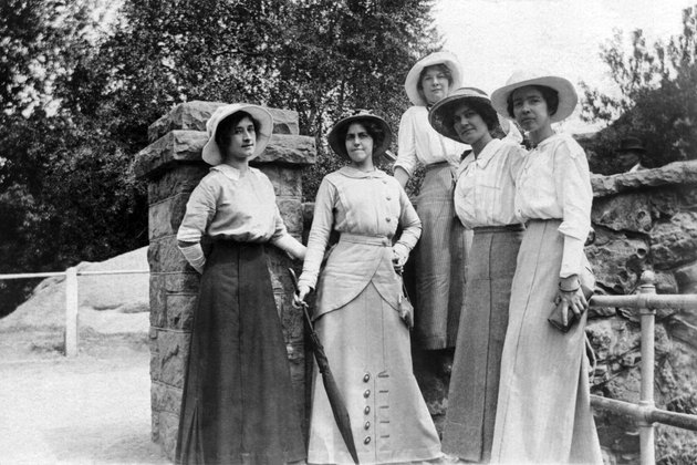 Vintage image of woman in sunhats