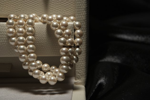 Pearl necklace in jewelry box, close-up