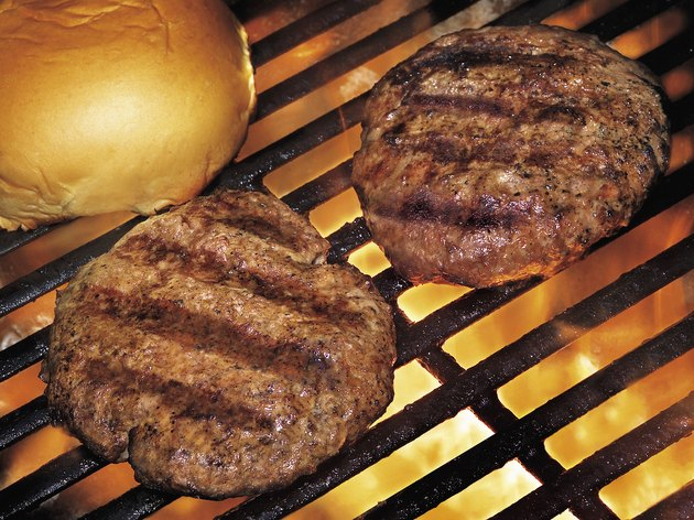 Photo, close-up of hamburgers on a grill, Color