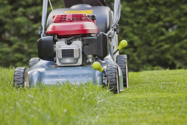Lawn mower, Mowing the grass