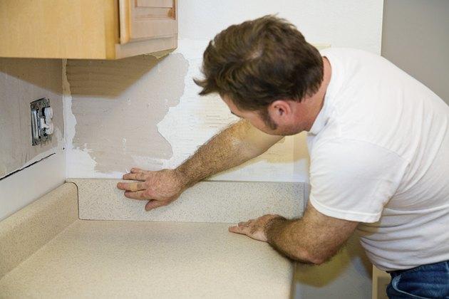 Installing Countertop Backsplash