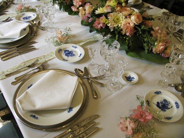 Dinnerparty retro (series)