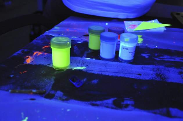 Black light party - finger paint cans