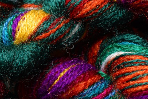 Braided dyed yarn