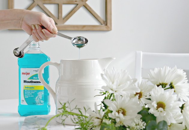 use mouthwash to freshen cut flowers
