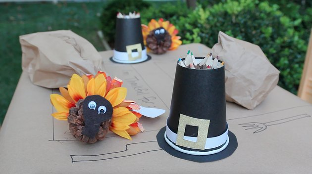 pinecone turkey and pilgrim hat pencil holder