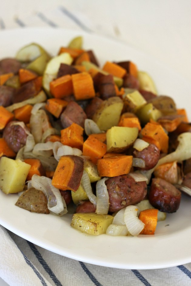 sheet pan apples and sausage
