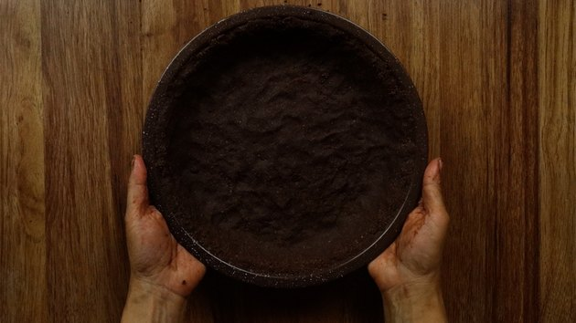 Gluten-free low-carb chocolate almond no-bake pie crust.