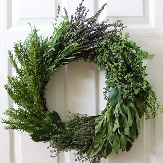 How to make herb wreaths
