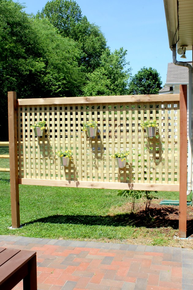 build this outdoor privacy screen for your backyard