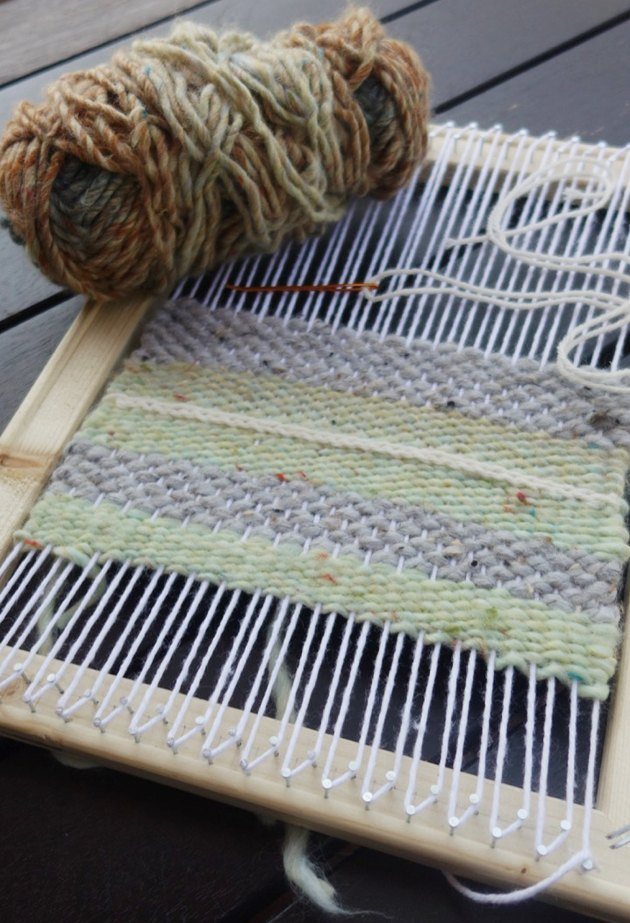 DIY Simple Weaving Loom