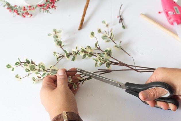 Cutting leaves off pick