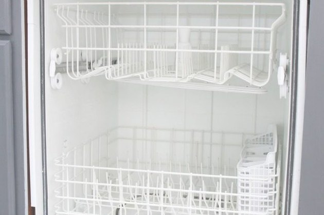 How to Clean Inside a Dishwasher