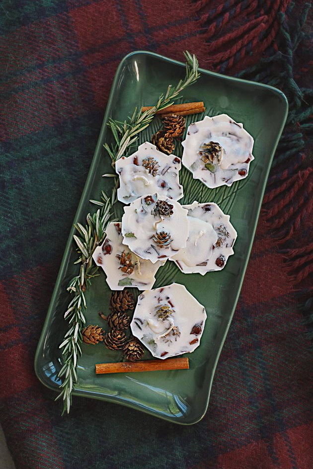 Homemade fire starters are perfect holiday gifts.