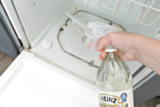 How to Clean Inside of a Dishwasher