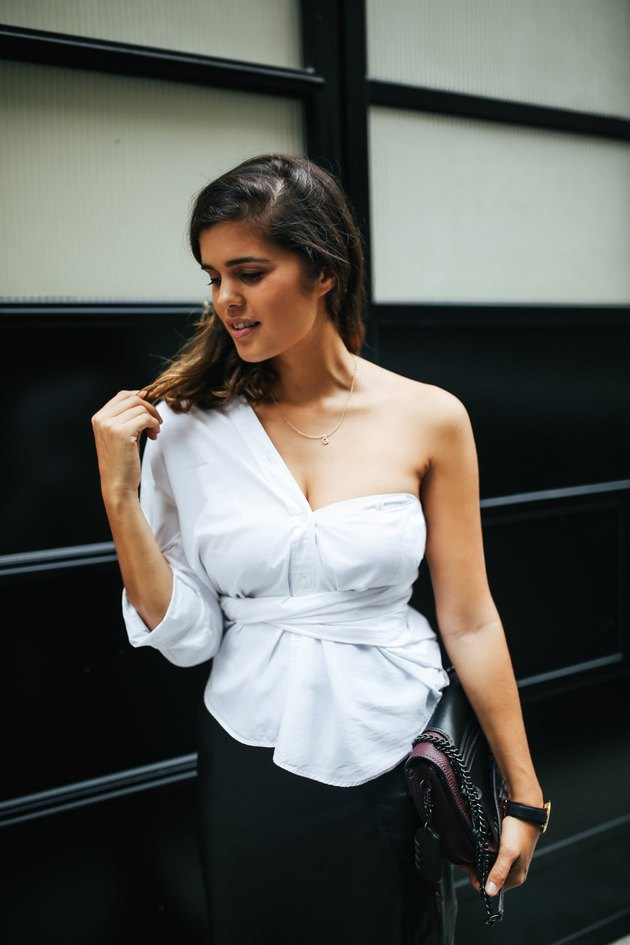 One shoulder shirt out of a white shirt