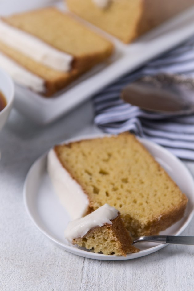 Copycat Starbucks Lemon Loaf Cake Recipe