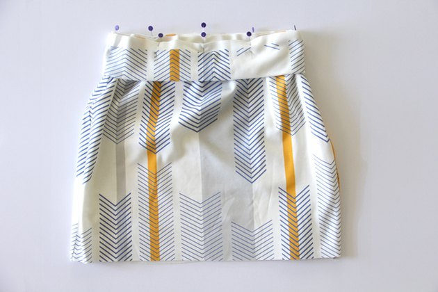 Sew knit waistband to pencil skirt
