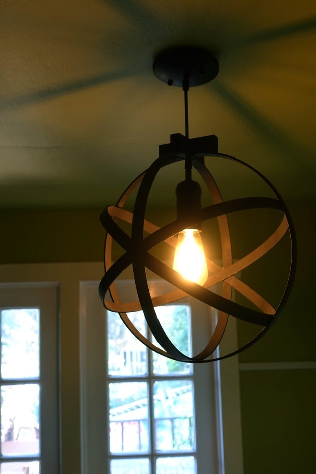 DIY orb pendant light using embroidery or quilting hoops.