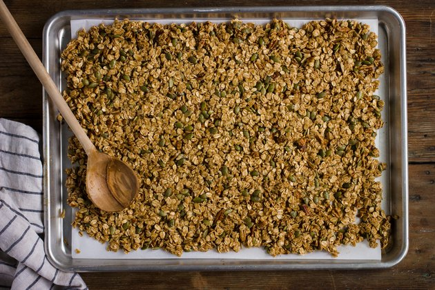 How to Make Pumpkin Spice Granola