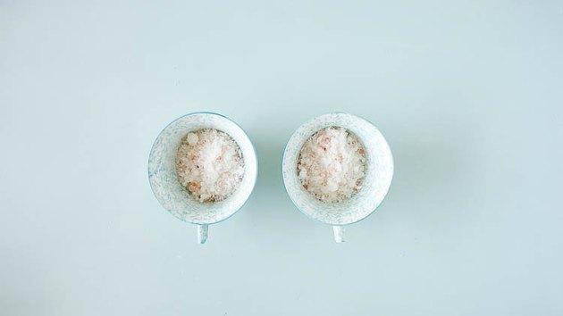 DIY Creepy Bath Bombs Tutorial