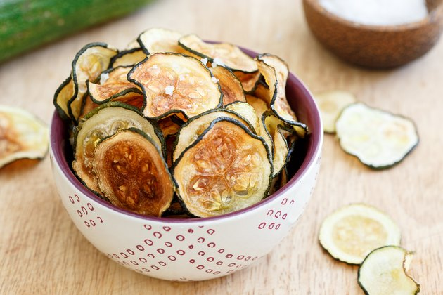 How to make oven baked zucchini chips