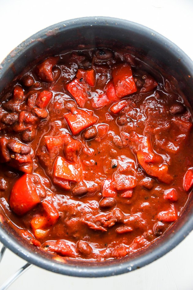 Make red sauce mixture.
