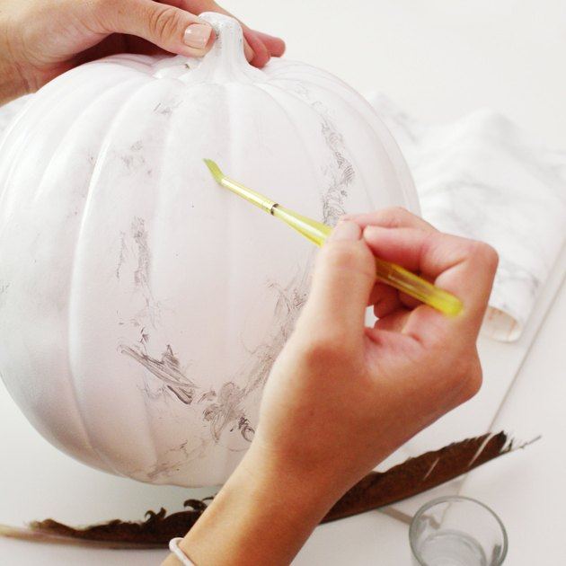 How to Give Your Pumpkins a Totally Chic Marble Effect