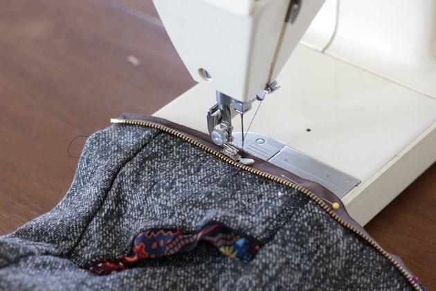 sew zipper with zipper foot