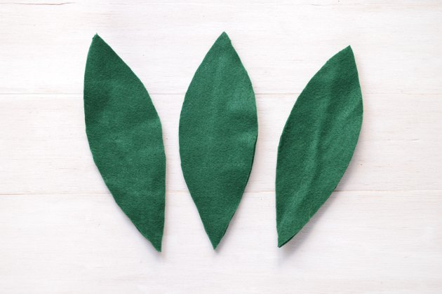 This step completes three felt leaves