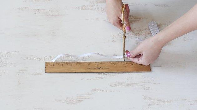 Cutting elastic strip