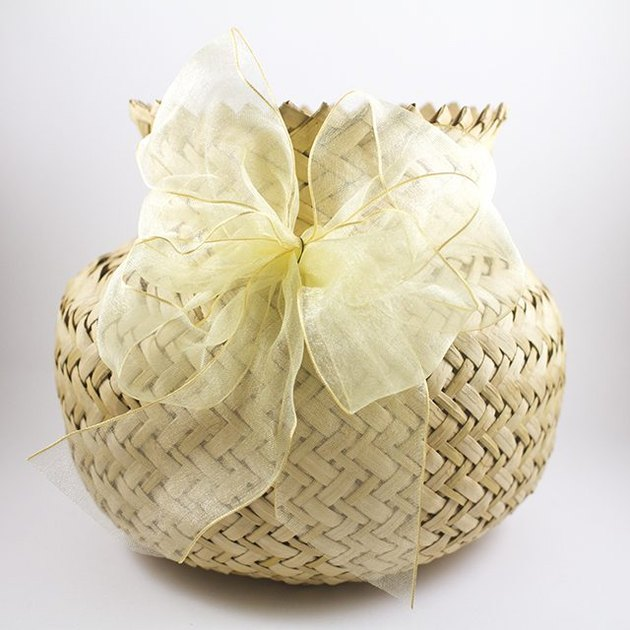 9. gift-basket bow