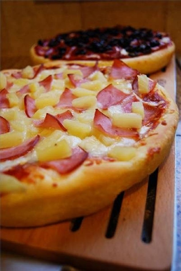 Pan pizza.