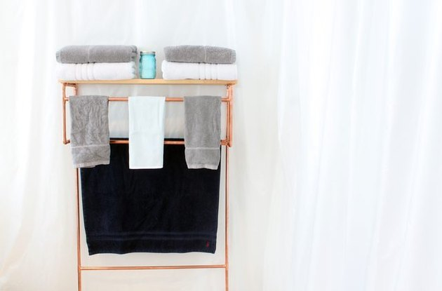 Copper pipe towel rack