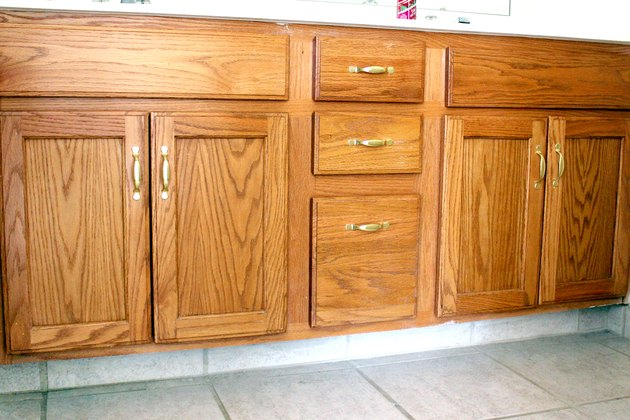How to Paint Oak Bathroom Cabinets | before