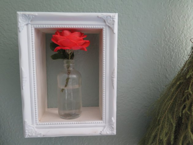 The box is a beautiful way to display flowers.