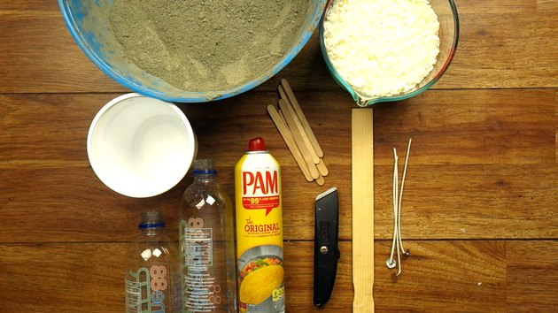 Materials for DIY candles with cement base