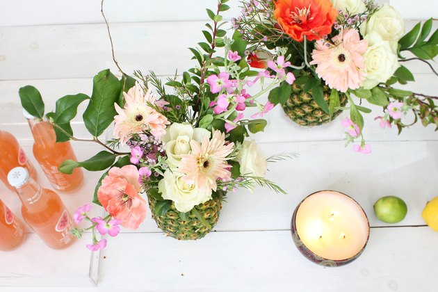 Make a pineapple into a flower vase